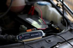 CTEK bilbatteriladdare i VW Vento